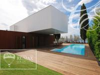Sale house in personal ownership, 380 m2, Porec