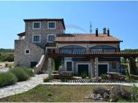 Sale house in personal ownership, 323 m2, Šibenik